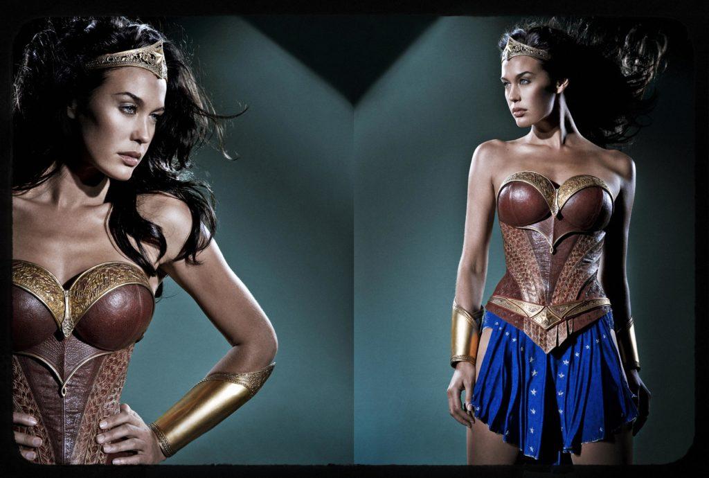 Megan Gale como Mulher-Maravilha em Justice League: Mortal (Reprodução/JoBlo)